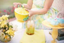 Backyard Tea Party - how to throw an old fashioned picnic party