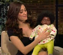 Gisele Bundchen Talks Pregnancy And Breastfeeding Emmy Rossum Takes Another Swipe At Gisele Bundchen U0027s Famous Breast