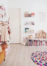 rangement livre chambre rangement chambre fille pour tout organiser avec style et efficacité