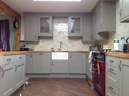repeindre meubles cuisine peindre sa cuisine en gris argileo