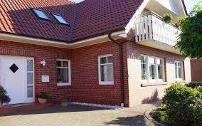 carport mit balkon schicke dachgeschosswohnung mit balkon garage und carport
