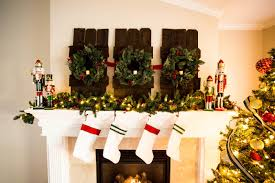 do it yourself divas decorating a mantle for christmas with home