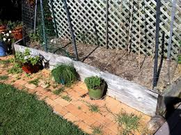 replace retaining wall in garden bed in bridgeman downs