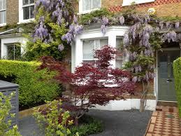 creative small courtyard garden design ideas best 25 small front gardens ideas on small front yard