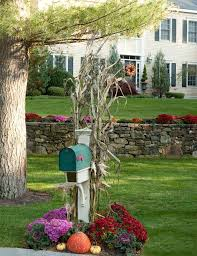 Fall Garden Decorating Ideas 20 Ways To Help Create A Fall Inspired Front Lawn