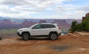 beige jeep cherokee 2015 jeep cherokee trailhawk meets moab a desert duel the truth
