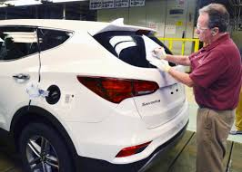 suv hyundai alabama gov robert bentley visits hyundai assembly line after