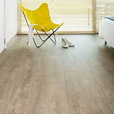 Flooring Laminate Uk - leaf casa fossil oak laminate flooring floorsuk
