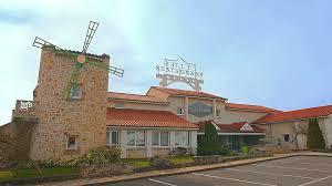 chambre hote vulcania hotel restaurant le moulins des gardelles proximité clermont et