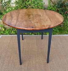 tables rondes de cuisine table ronde pour cuisine plateau en bois naturel déco