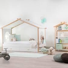 chambre d enfant but lit cabane enfant but avec une chambre d enfant et plus particuli