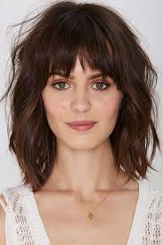 cute shoulder length haircuts longer in front and shorter in back best 25 medium hairstyles with bangs ideas on pinterest