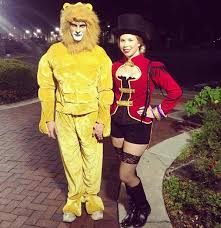Lion Tamer Costume 25 Unique Halloween Costumes For Couples Page 2 Of 3 Stayglam