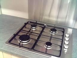 plaque inox cuisine cuisine moderne inox et plan de travail pour plaque de cuisson