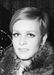 twiggy hairstyle a celebration of twiggy s most iconic hairstyles of all time