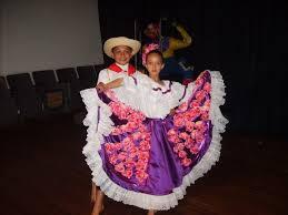 traje del sanjuanero huilense mujer y hombre para colorear traje típico del huila pintura en tela trajes tipicos de colombia