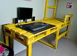 fabriquer un bureau avec des palettes bureau en bois 34 idées diy très cool en palette europe bureau