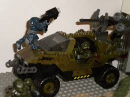 halo warthog mega bloks halo mega bloks diorama elite vs warthog riddik flickr
