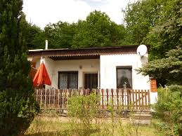 comfortably furnished bungalow just a few minutes to the lake
