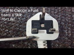 how to change fuse in christmas lights how to change a fuse in a plug the easy way youtube