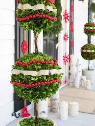 diy easy outdoor christmas decorations ne wall