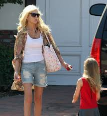 Tori Spelling Home Decor Tori Spelling Seen Leaving Her Encino Home With Two Of Her