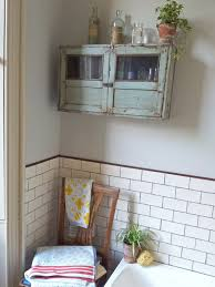 vintage style bath towels how to decorate a old bathroom french