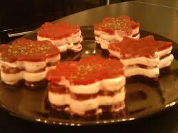 cuisiner les feuilles de betteraves rouges mille feuille betterave chèvre pour 4 personnes recettes à table