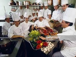 chef de cuisine fran軋is cuisine française pictures and photos getty images