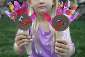 toddler approved handprint turkey puppet