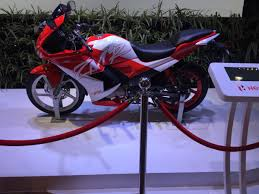 cbr 150r price and mileage comparison karizma zmr 2015 and honda cbr 150r