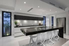 cuisine moderne et noir cuisine blanche et 35 photos id es d co surprenantes moderne