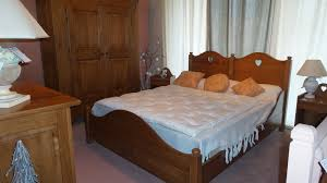 chambre à coucher en chêne massif chambre à coucher campagnarde complète en chêne massif ebenisterie