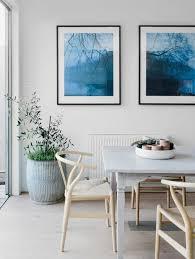 wandbilder esszimmer der esszimmertisch und sein platz unter den möbeln archzine net