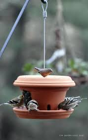 fabrication mangeoire oiseaux les 20 meilleures idées de la catégorie mangeoire oiseau sur
