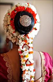 flower decoration for hair tips and styles for your wedding
