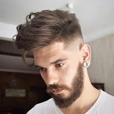 Frisurentrends Herren by Hohe Fade Mit Langen Haaren An Der Spitze Hairstyles Models
