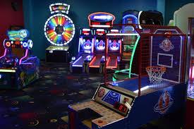 Arcade Barn The Lightning Bug Fresh Food And Fun Eateries Visit Butler