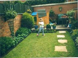 very small gardens ideas a small side yard garden with gravel