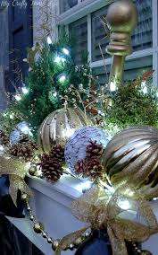 Christmas Window Decorations At Lowes by Best 25 Christmas Window Boxes Ideas On Pinterest Winter Window