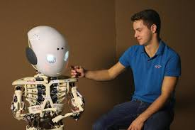 study live interactions increase human like qualities in robots