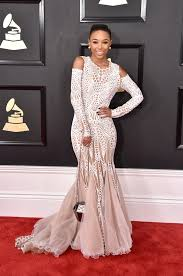 E Red Carpet Grammys See All The Grammys 2017 Red Carpet Celebrity Fashion Glamour