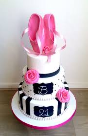 Home Decorated Cakes Best 25 Diva Cakes Ideas On Pinterest Fashion Cakes Girly