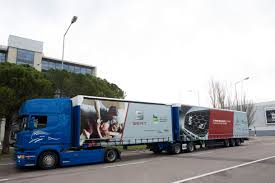 spain says u0027hola u0027 to the 25 25 metre truck scania group