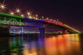 vector and auckland council to light auckland harbour bridge