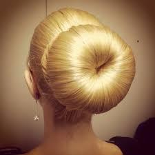 big bun hair i wish i could do a bun as and smooth as that hair