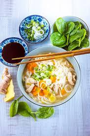 chrono cuisine ramen au poulet et légumes recette rapide en 10 minutes chrono avec