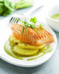 cuisiner pavé saumon pavé de saumon grillé à l unilatéral sauce à l oseille pour 4