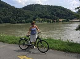 nã gel spitz design danube cycle path classic passau vienna