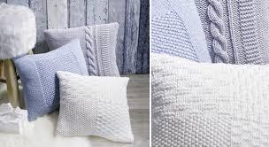 taie coussin canapé des housses de coussin à tricoter prima